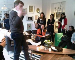 Journalists giving Peter Klinkert their full attention