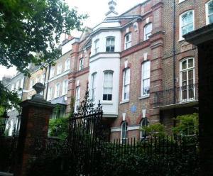 Historic houses along Chelsea Embankment